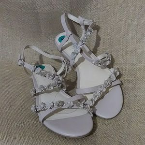 Nine West Size 8 Rosebud and Pearl Sandals NEW